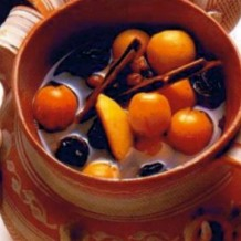 Ponche Navideno, hot fruit punch